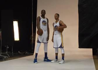 Warriors y Cavs se presentan: Durant ya posa con Curry