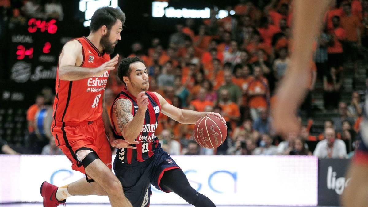Resultado de imagen de Baskonia se estrena en casa contra un Valencia Basket en racha