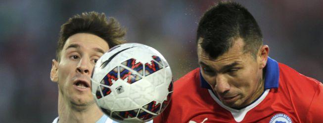 Inter se abre a la venta de Medel por interés de Liverpool