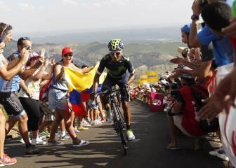 Nairo Quintana reina en La Camperona y es maillot rojo