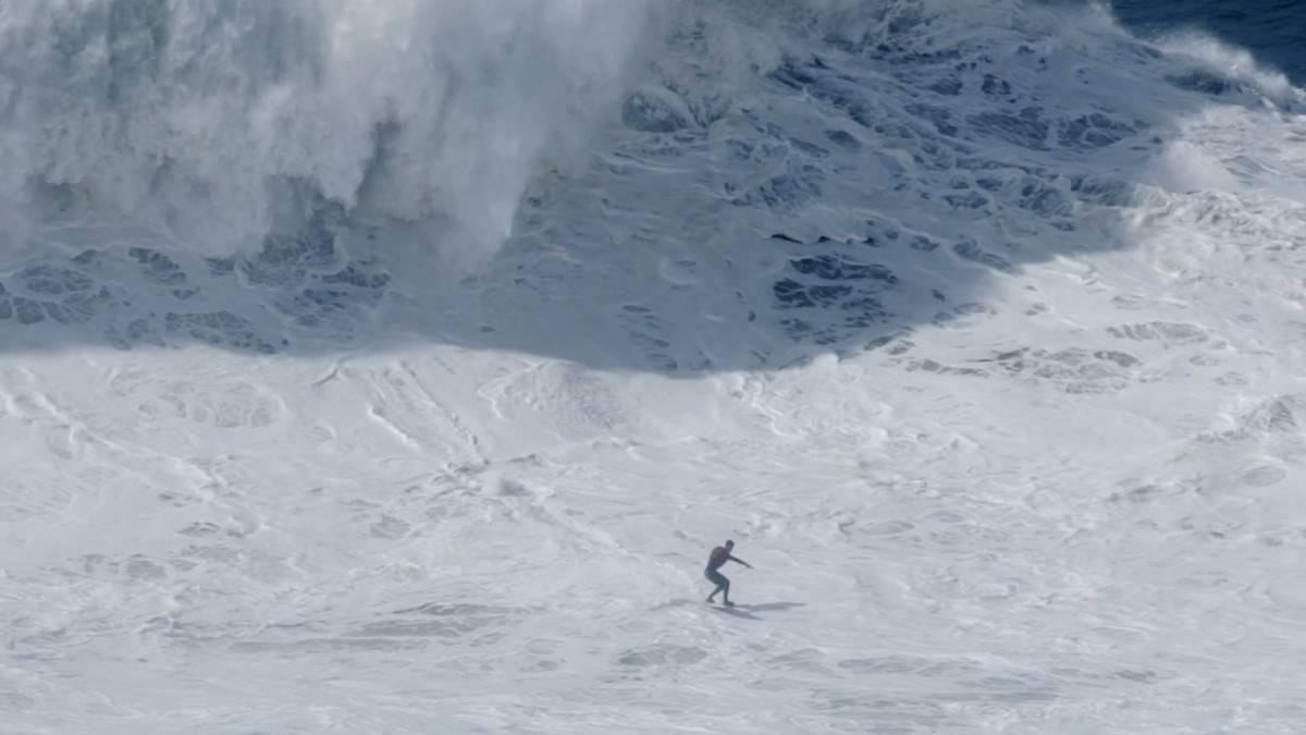 Resultado de imagen para olas grandes en nazare