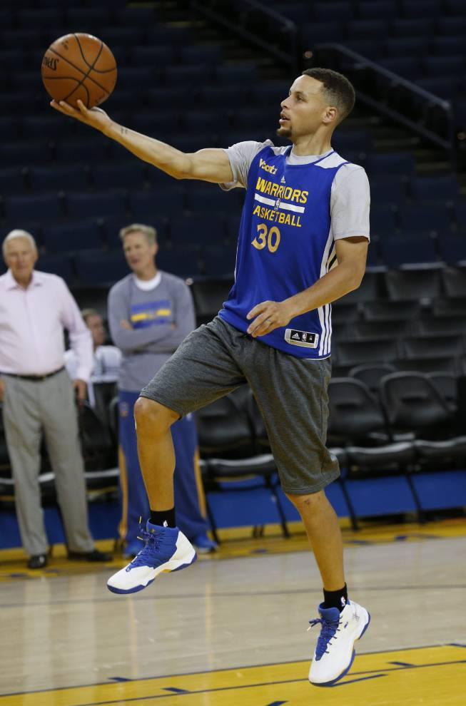 Kyrie Irving Shooting Form NBA | Curry and Irving...