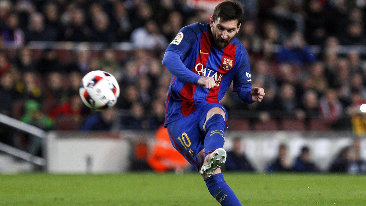 Messi equals Koeman's Barcelona free-kick record - AS.com