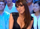 Una presentadora se desnuda en TV por el pase de Francia