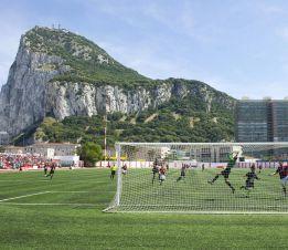 Gibraltar disputa hoy el primer partido oficial de su historia