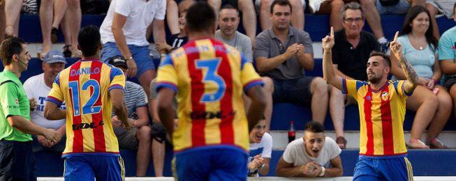 Un gol de Alcácer da el triunfo al Valencia ante el PSV
