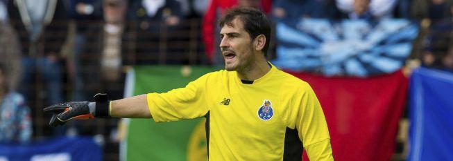 Casillas y el Valencia, marca España en la Colonia Cup