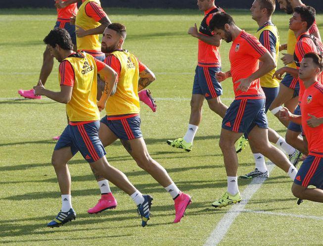 Barragán sigue sin poder ejercitarse con el Valencia