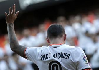 El Barça insiste en Alcácer y en Valencia se indignan