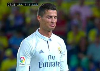 Cristiano Ronaldo livid at being taken off