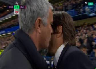 What did José Mourinho utter into the ear of Antonio Conte?