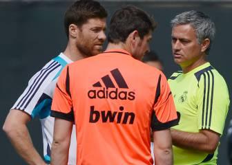 Le preguntan a Casillas con quién cenaría: Mou, Xabi o Arbeloa