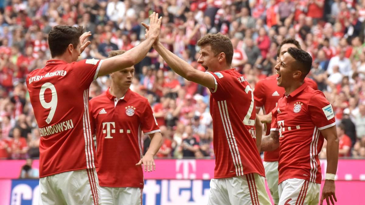 El Bayern golea al Augsburgo (6-0) con hattrick de Lewandowski