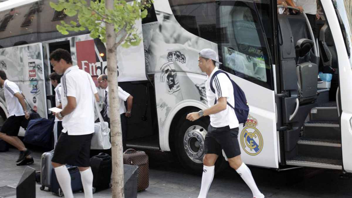 Bayern Munich-Real Madrid Real Madrid's team bus will be ...