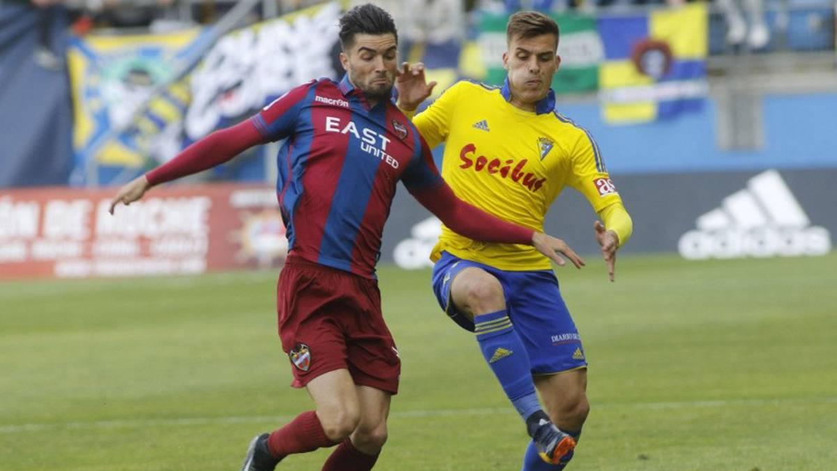 El Levante aplaza el ascenso al sábado en casa contra el Real Oviedo.