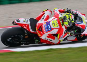 Iannone repite al frente y Rossi gana la guerra de los favoritos