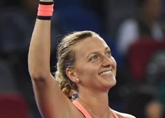 Kvitova apabulla a Halep y se cita con Cibulkova en la final