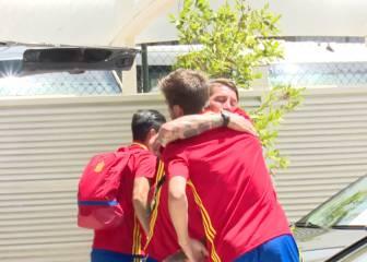 Ramos and Piqué hug goodbye