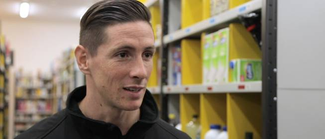 amazon fernando torres tops up salary with 39 part time delivery job 39. Black Bedroom Furniture Sets. Home Design Ideas