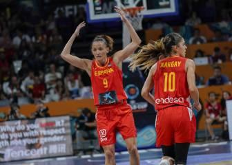 España, entre desatada y ansiosa, no falla en el debut