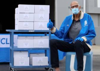 Abdul-Jabbar dona miles de gafas para luchar contra el coronavirus