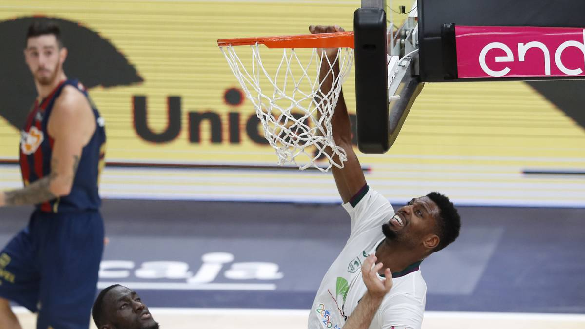 Baskonia-is-in-the-semifinals-after-beating-Unicaja-in-a-dying-overtime