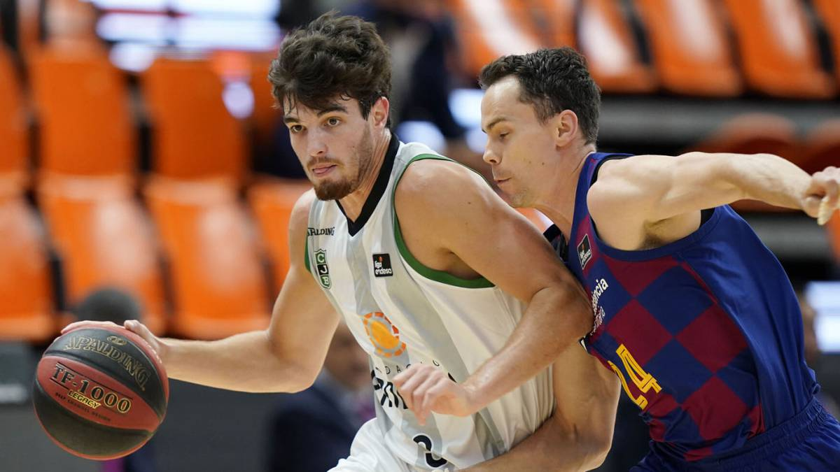 Pep-Busquets-renews-with-Joventut-and-goes-on-loan-to-Girona