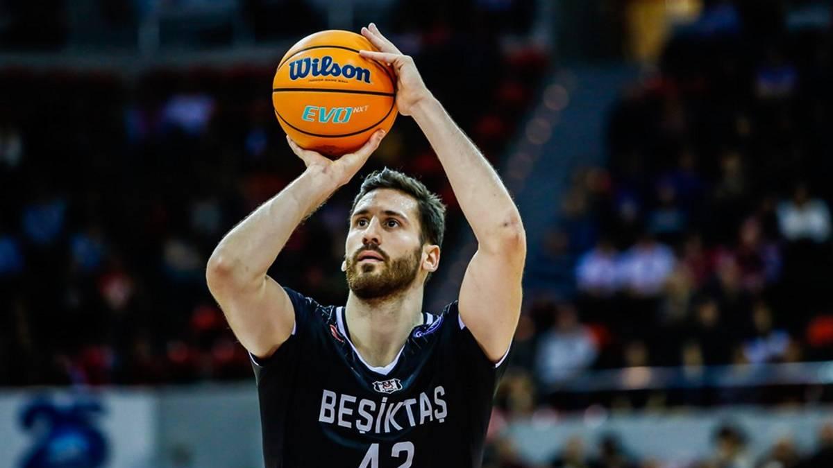 Montenegrin-Nemanja-Djurisic-fifth-college-signing