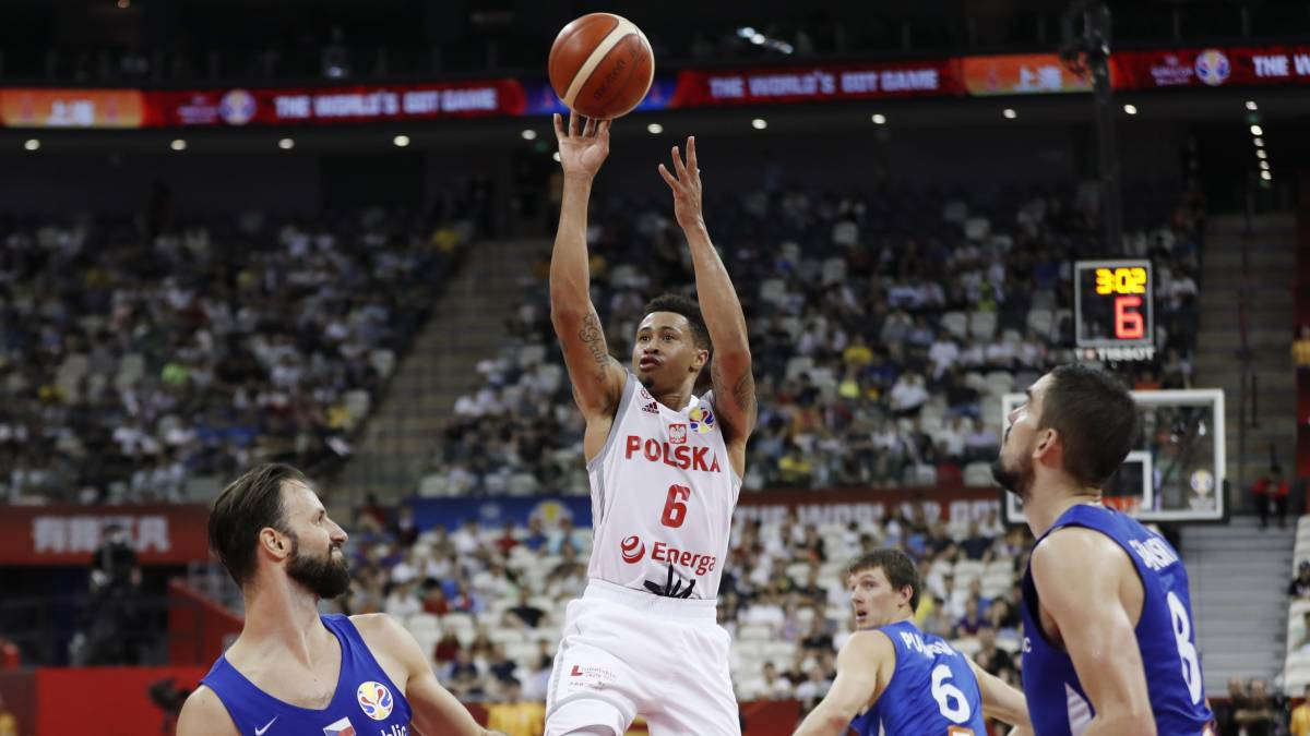 Gran-Canaria-rescues-AJ-Slaughter-due-to-health-problems
