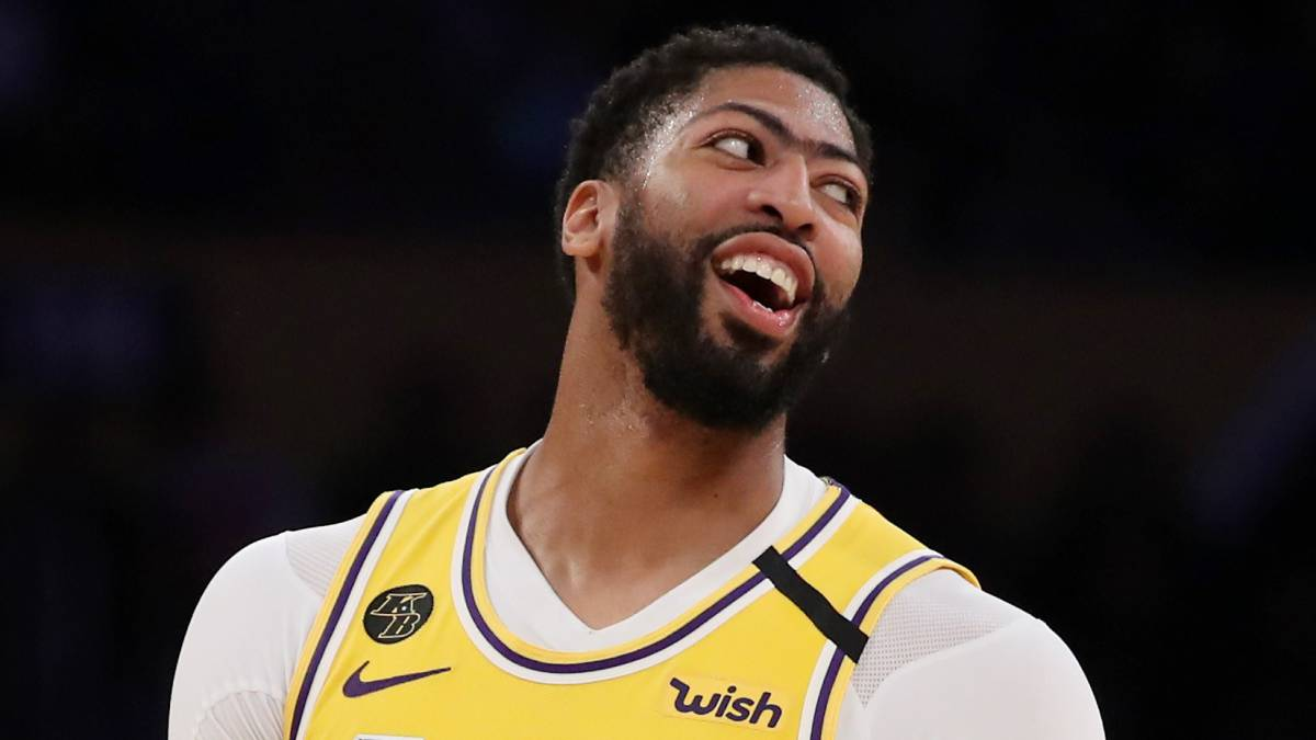 Anthony-Davis-debuts-image-and-fans-go-back-to-1988