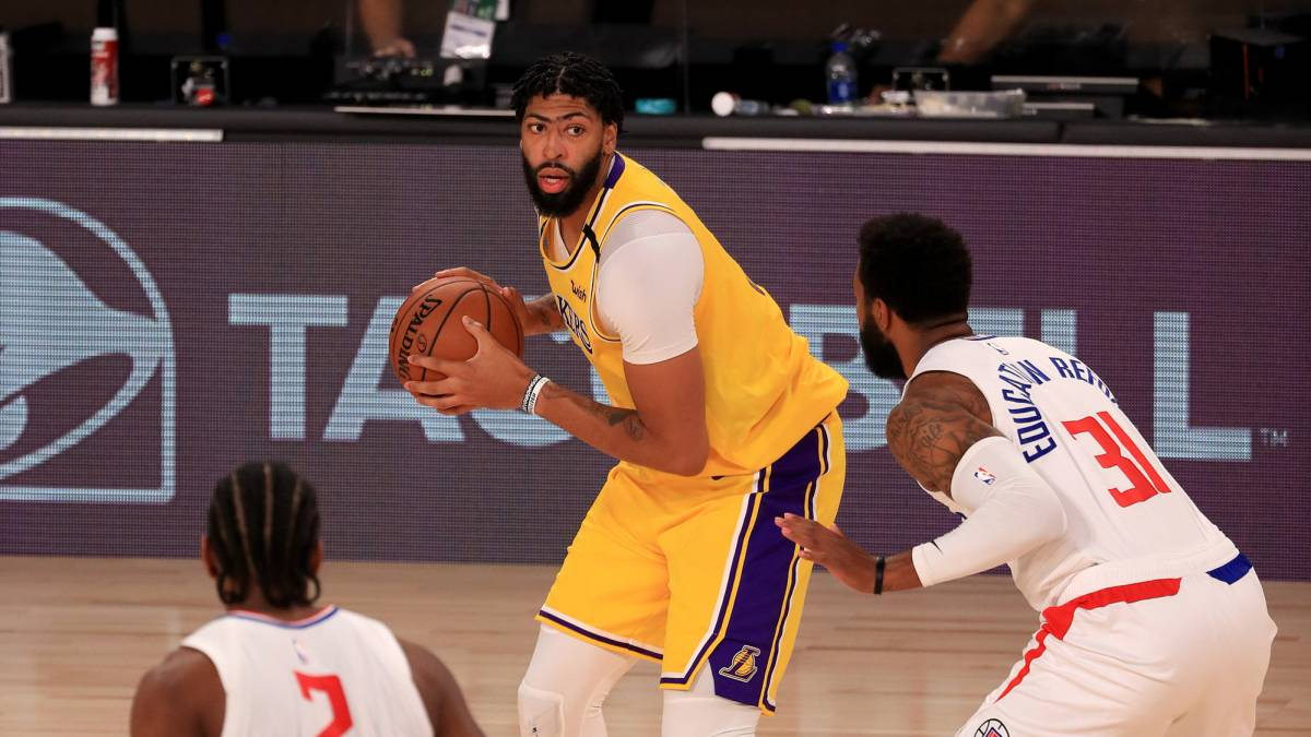 The-Lakers-beat-the-Clippers-in-a-heart-attack-finale
