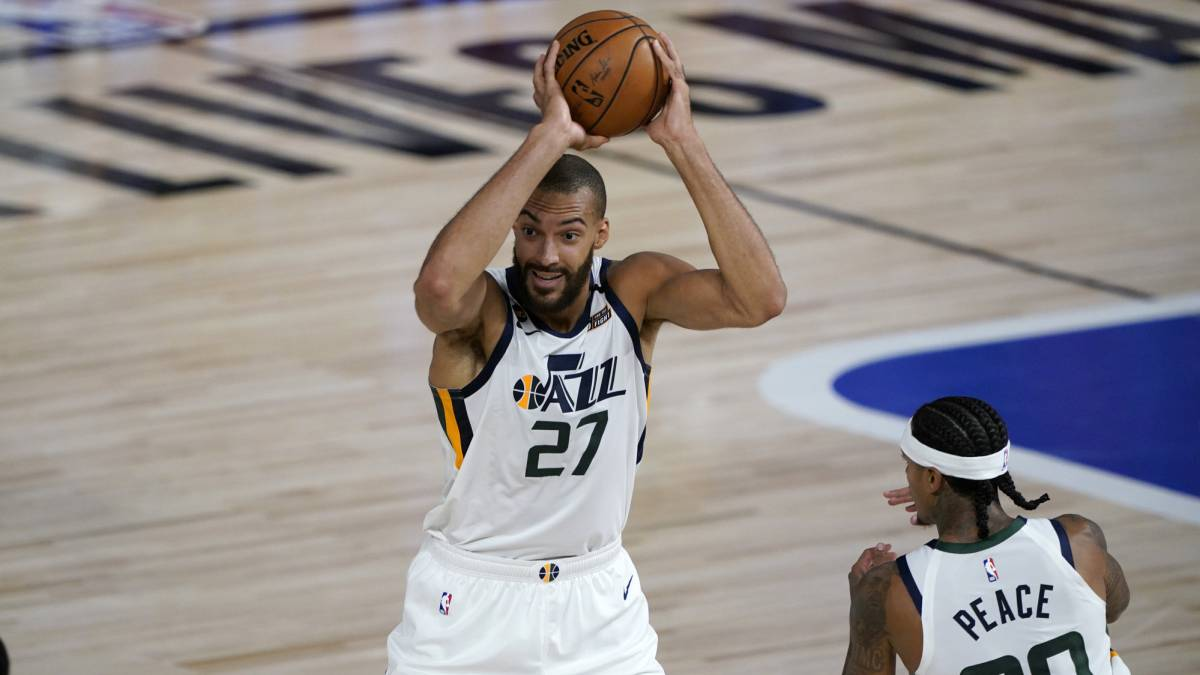 Gobert-redeems-himself-and-complicates-life-for-the-Zion-Pelicans
