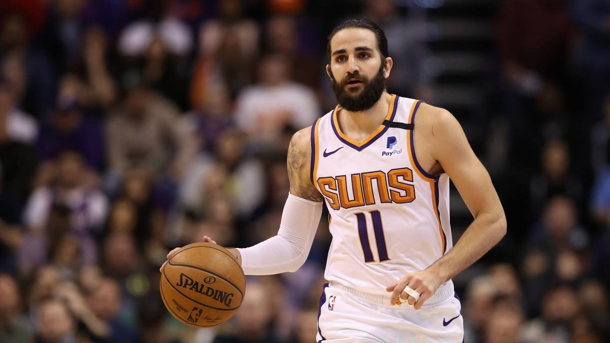 Suns-rally-overwhelm-and-remain-undefeated-in-bubble