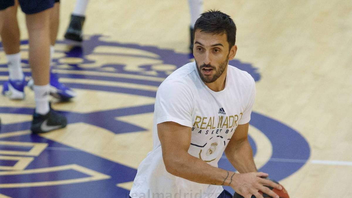 Real-Madrid-returns-to-training-with-Campazzo