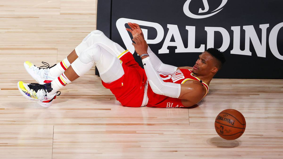 Danger:-Westbrook-injury-with-just-four-days-left-before-playoffs