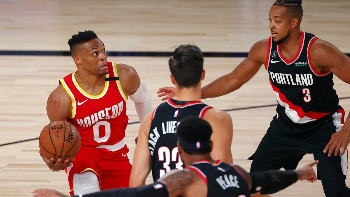 Rockets-tremble:-Westbrook-down-for-playoff-start