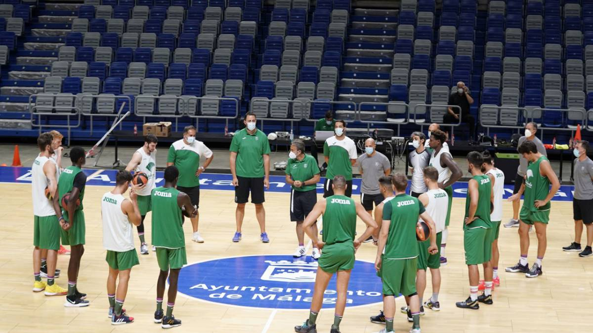 Unicaja-held-their-first-group-training-at-Carpena