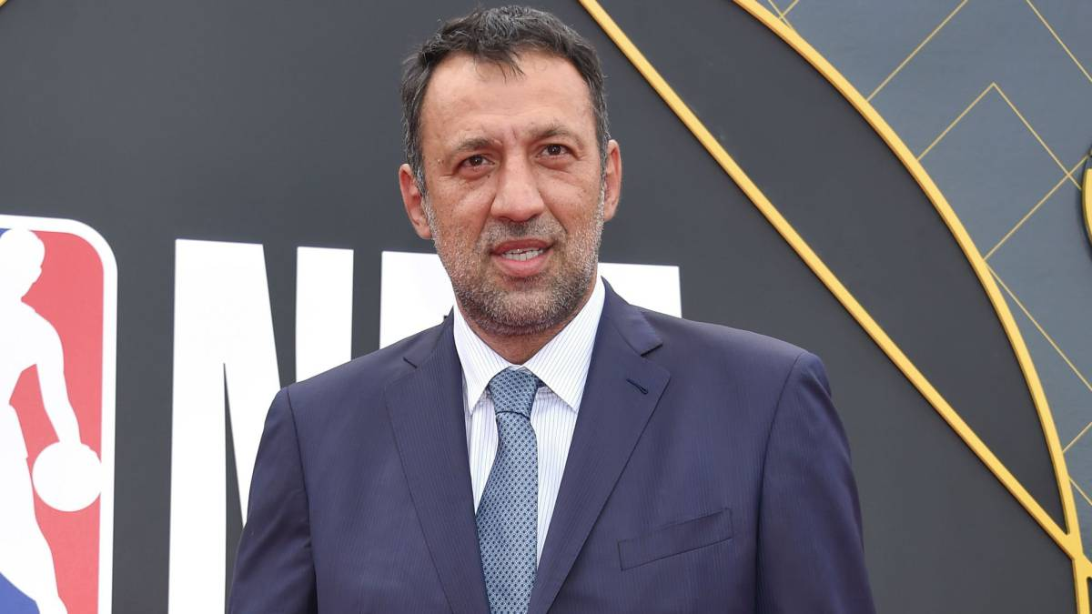 Vlade-Divac-resigns-as-Kings-general-manager