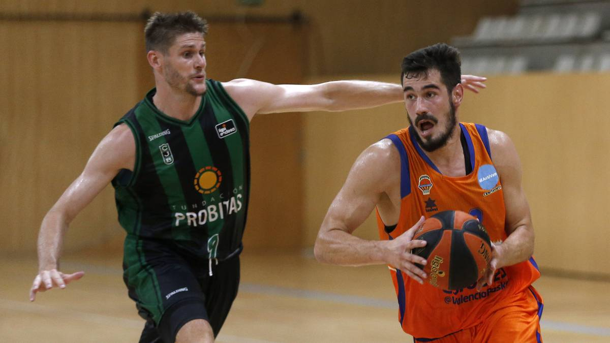 Valencia-Basket-exhibits-scoring-muscle-against-Joventut