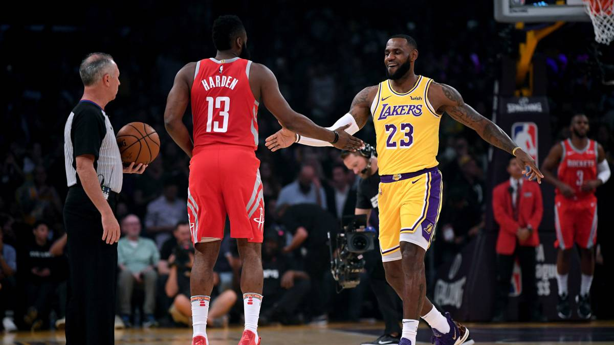 A-very-long-beard-and-a-crown-without-an-owner:-Harden-plays-his-project-against-the-King