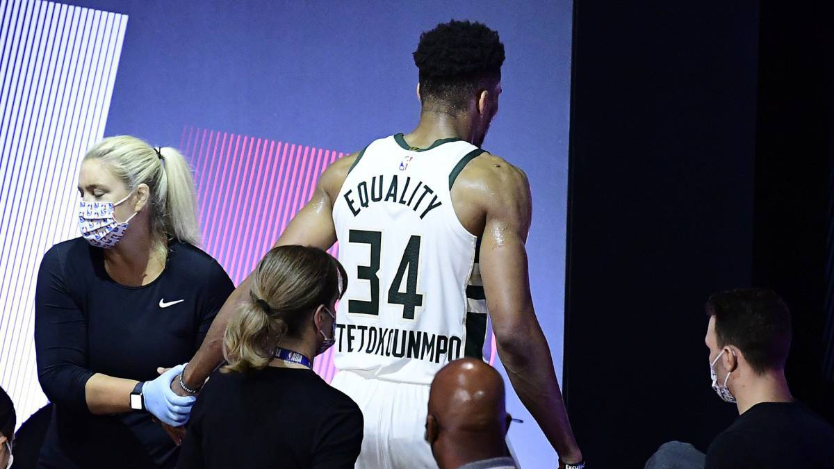 "Antetokounmpo-looks-""lost""-but-rules-out-asking-for-the-transfer"