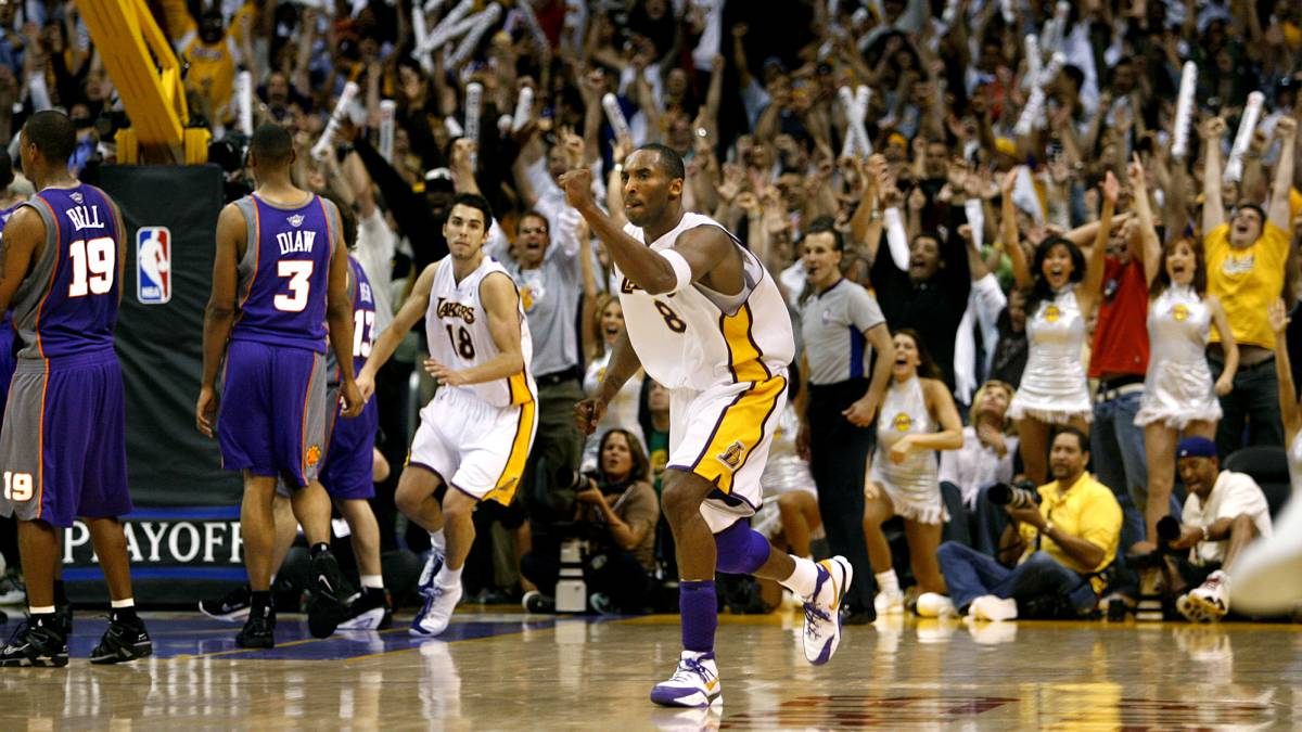 Horry-Fisher-Kobe-...-The-Lakers-on-the-horn-in-the-playoffs