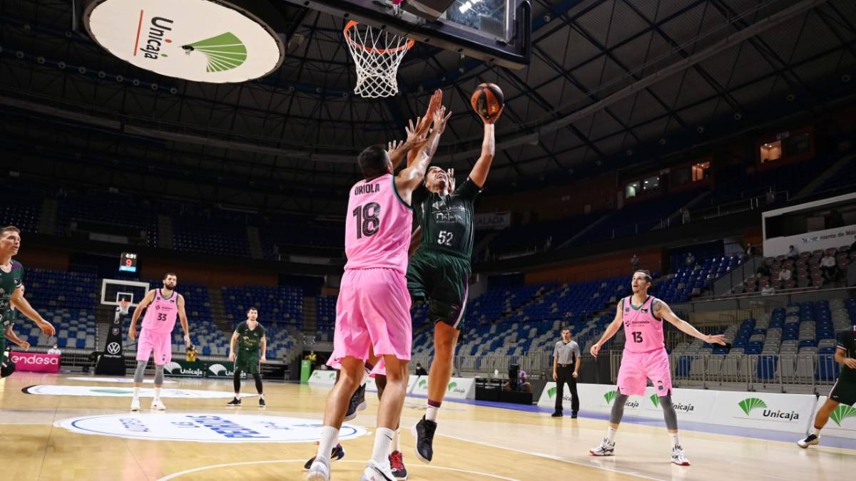 Mirotic-and-Abrines-break-a-Unicaja-that-lasted-a-while