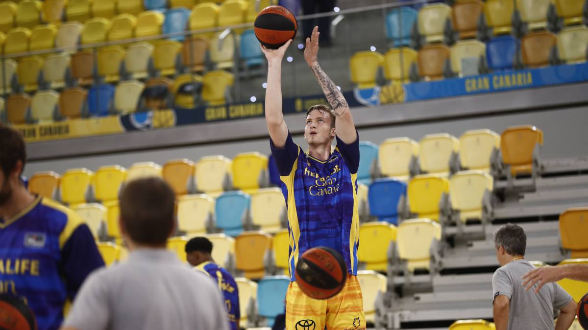 Gran-Canaria-returns-to-training-without-new-positives