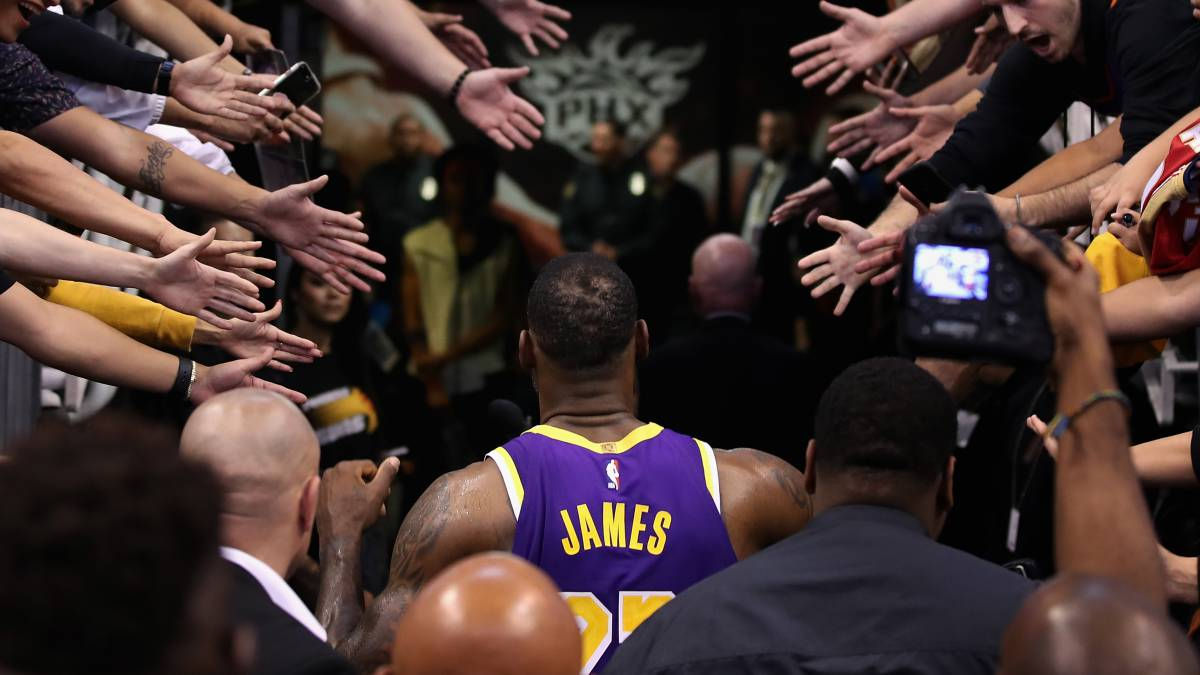 Return-of-the-King:-LeBron-threatens-Jordan's-throne