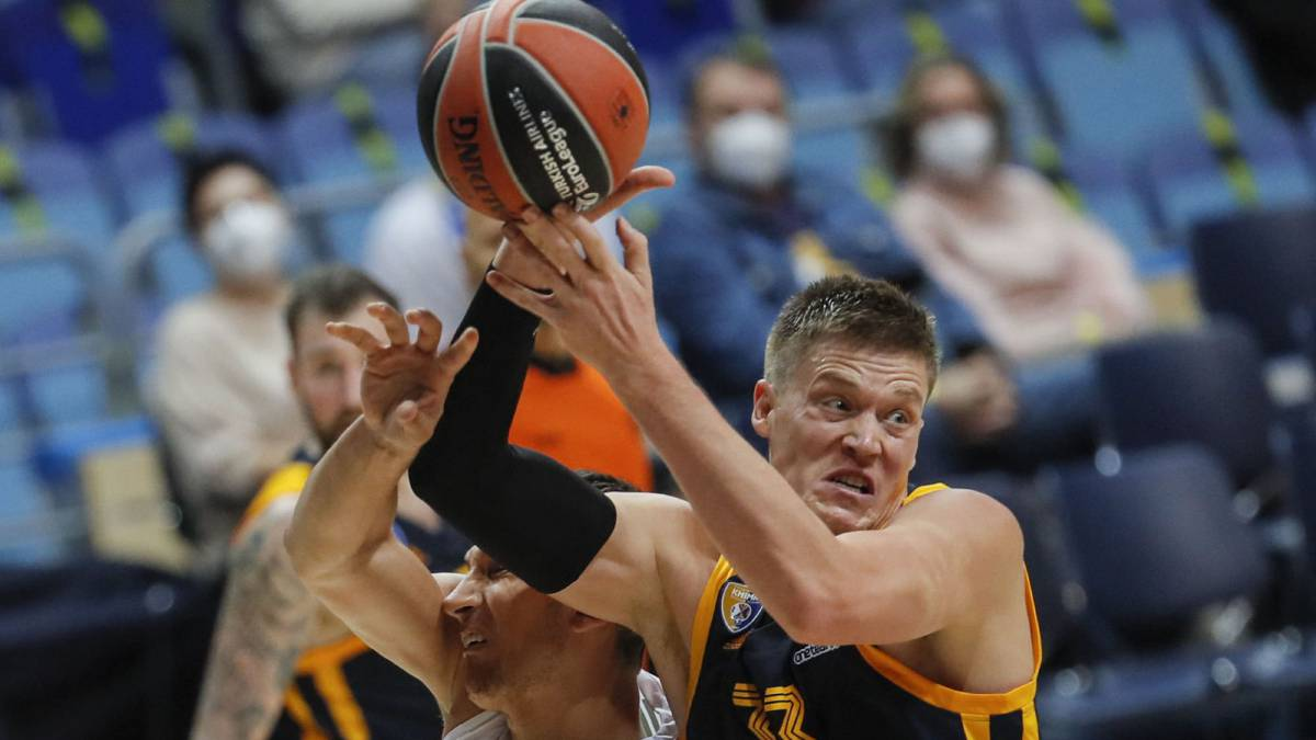Khimki:-only-eight-players-to-face-Madrid-and-Baskonia