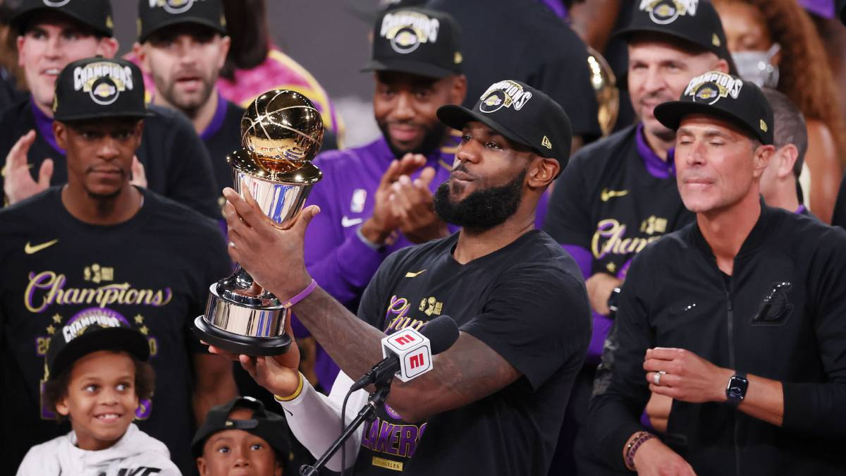 LeBron-James-Finals-MVP-with-another-grisly-record