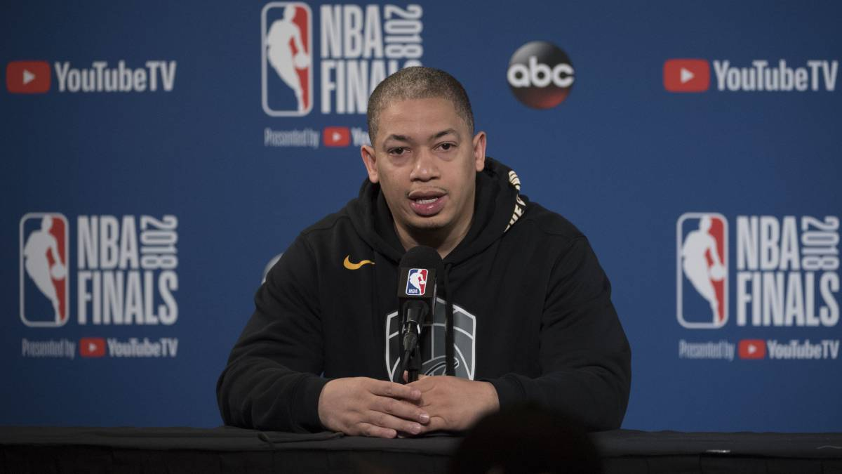 Tyronn-Lue-is-the-new-Los-Angeles-Clippers-coach
