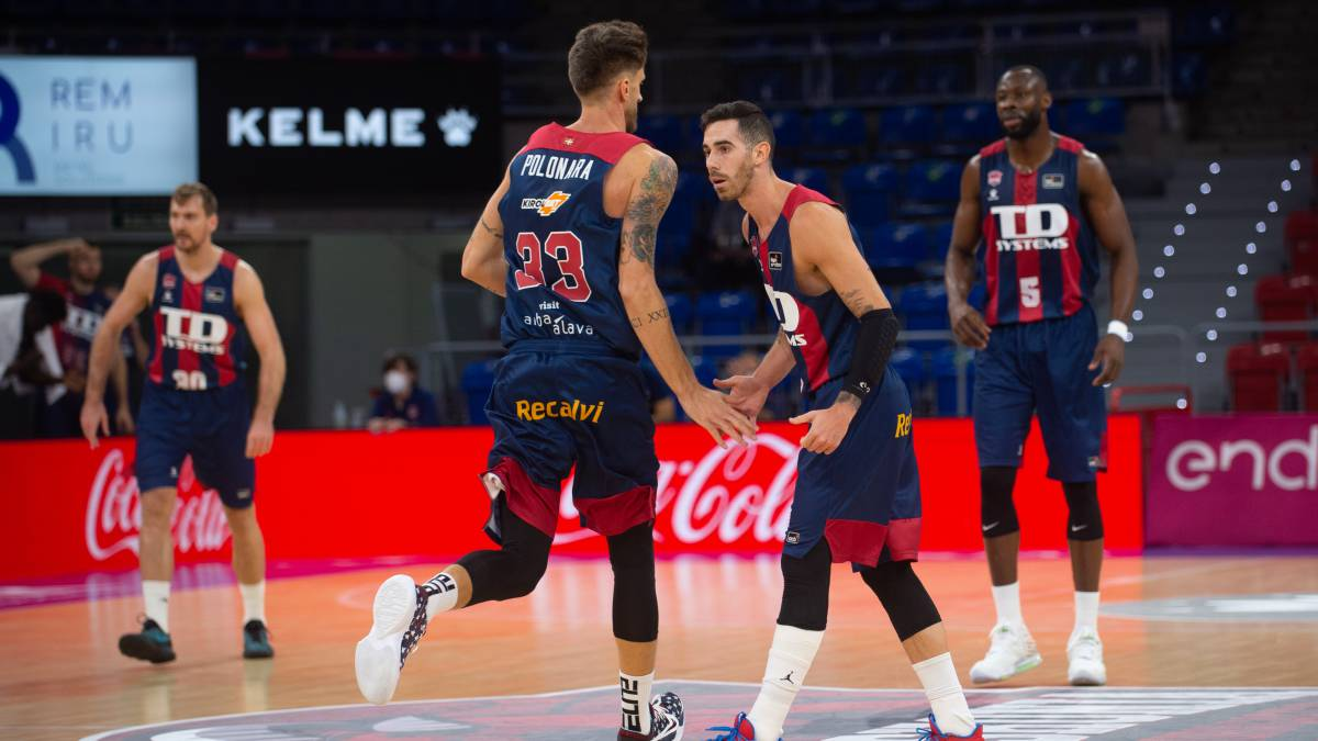 Barça-succumbs-to-the-champion-at-the-Buesa-Arena