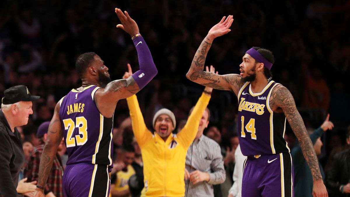 "LeBron's-first-Lakers-""killed""-by-rumors"